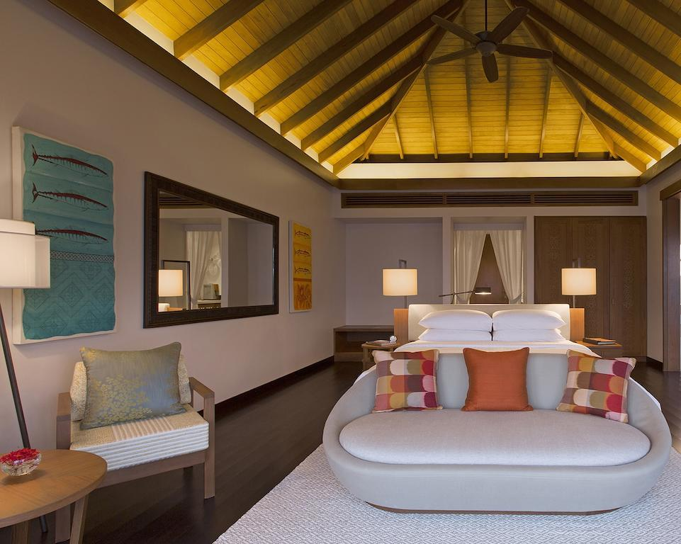 content/hotel/Anantara - Veli/Accommodation/Deluxe Over Water Pool Bungalow/anantaraveli-acc-deluxeoverwaterpoolbungalow-06.jpg